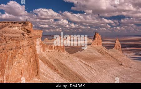 Die Daumen-Bildung am Plateau Ustjurt in Kasachstan. - Stockfoto