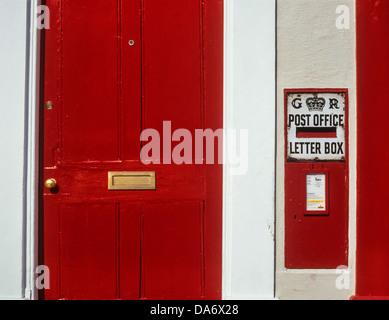 t r mit einer roten vintage briefkasten emerald hill singapur stockfoto bild 310610879 alamy. Black Bedroom Furniture Sets. Home Design Ideas