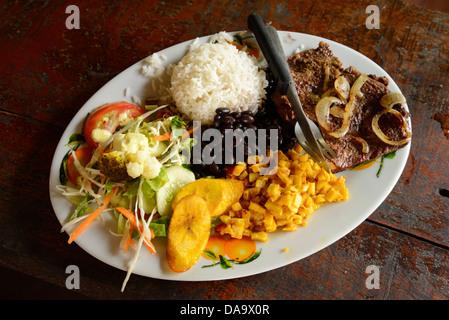 Mittelamerika, Costa Rica, Puntarenas, Lebensmittel, Teller, typische, Reis, Bohnen, Puntarenas, - Stockfoto