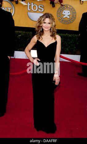 US-Schauspielerin kommt Kyra Sedgwick für 17. Annual Screen Actors Guild Awards im Shrine Auditorium in Los Angeles, - Stockfoto