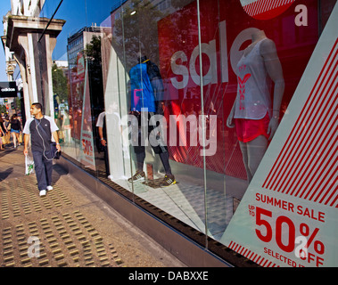 Schaufenster in der Oxford Street, City of Westminster - Stockfoto