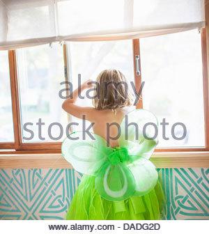 sonnenlicht durch fenster vorh nge stockfoto bild 310046890 alamy. Black Bedroom Furniture Sets. Home Design Ideas