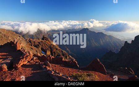 Blick von der Roque de Los Muchachos in die Caldera de Taburiente, Kanarische Inseln, La Palma, Nationalpark Caldera - Stockfoto