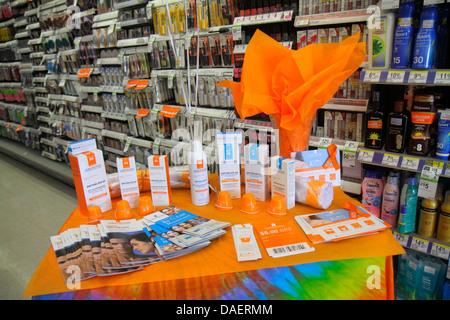Miami Beach Florida Walgreens Apotheke Drogerie einkaufen Einzelhandel Display für Verkauf Förderung Anthelios Sonnenmilch - Stockfoto