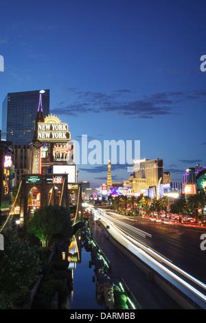 USA, Nevada, Las Vegas, New York New York Hotel und Las Vegas Boulevard - Stockfoto