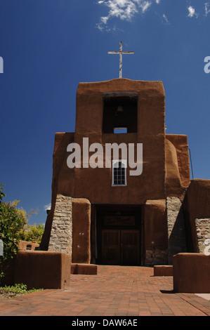 USA. Santa Fe. San Miguel Mission. erbaut zwischen 1610 und 1626. Im 18. Jahrhundert umgebaut. Bundesstaat New Mexico. - Stockfoto