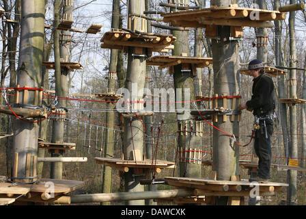 Schreiner Offenbach schreiner hannes anton reittiere eine klettern konstruktion an einem