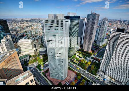 e Shinjuku Finanzviertel von Tokio, Japan. - Stockfoto