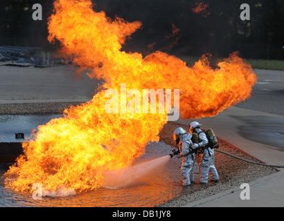 Feuerwehr Ausbildung Stockfoto, Bild: 58610963 - Alamy