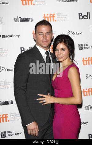 """US-Schauspieler Channing Tatum (l) und Frau/Schauspielerin Jenna Dewan-Tatum besuchen die Premiere von """"zehn Jahr' - Stockfoto"""