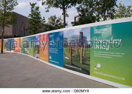 East Village hat neuen Häusern und Wohnungen auf dem Gelände der ehemaligen London 2012 Olympische Dorf: Stratford, - Stockfoto