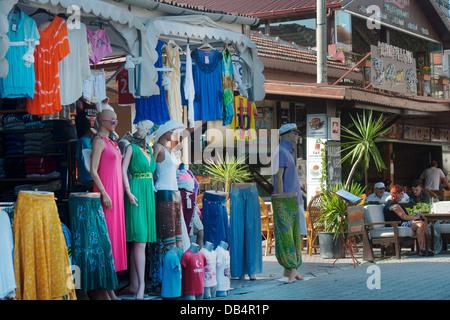 Ägypten, Provinz Mugla, Dalyan, Haupteinkaufsstrasse der Touristen Mit Geschäften, Bars Und Restaurants - Stockfoto
