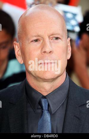 Bruce Willis für die UK Premiere von Red 2, am Empire Leicester Square, London anreisen. 22.07.2013 - Stockfoto