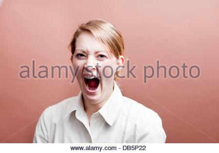 Geschäftsfrau, Gähnen - Stockfoto