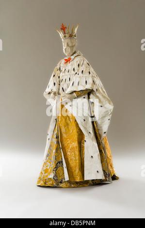 König Schaufensterpuppe in Papier-Kostüm - Stockfoto
