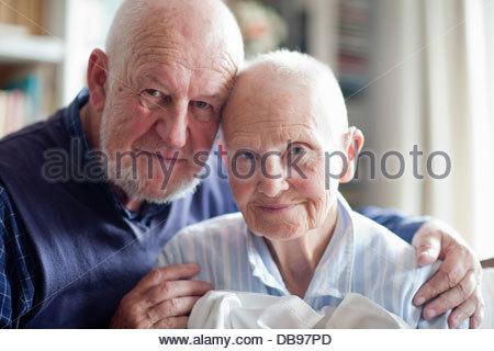 Ein älteres paar lächelnd in Nahaufnahme - Stockfoto