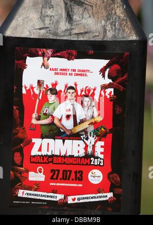 Birmingham, Vereinigtes Königreich. 27. Juli 2013. Der jährliche Birmingham Zombie Walk findet in Birmingham, UK. - Stockfoto