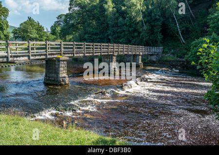 Bolton Abbey, Brücke Fluß Wharfe Skipton Yorkshire Dales - Stockfoto