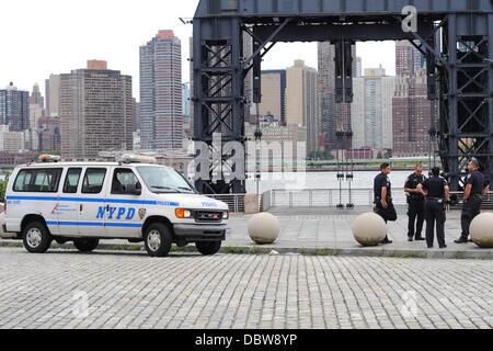 NYPD, New York City Waterfront Bewachung parkt Ion Queens während Hurrikan Irene. Der Großteil der Ostküste der - Stockfoto