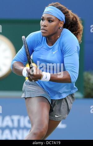 Toronto, Ontario, Kanada. 10. August 2013. Toronto, Ontario, Kanada, 10. August 2013. Serena Williams (USA) in Aktion - Stockfoto