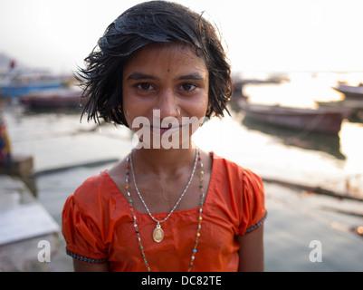 Porträt der Pilger, die zum Fluss Ganges (Varanasi) für Kumbh Mela im März 2013 gereist waren. - Stockfoto