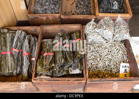 Getrocknete Algen und Bonito-Flocken Kyoto Japan - Stockfoto