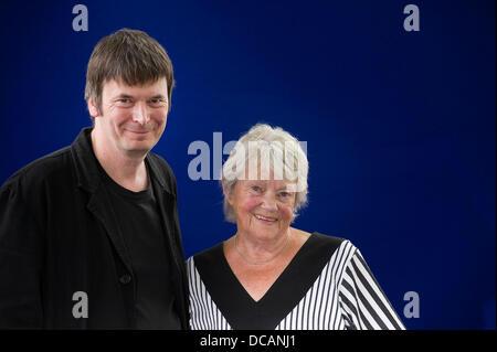 Edinburgh, UK. 14. August 2013.   Maj Sjowall und Ian Rankin beim Edinburgh International Book Festival. Alle Bilder - Stockfoto