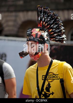London, UK. 14. August 2013. Edinburgh 14. August 2013, das Fringe Festival bringt eine ganz neue Bedeutung zu den - Stockfoto