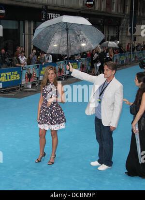 London, UK, 14. August 2013. Jennifer Aniston besucht wir sind The Millers - europäische Premiere - Odeon West End - Stockfoto