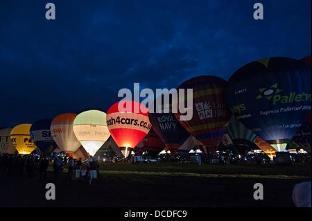 Bristol internationale Ballon Festival Fiesta Abend Nacht Ballonglühen august 2013 8. Musik - Stockfoto
