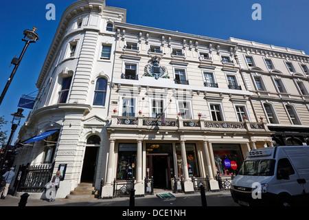 Moss Bros Store auf King street Covent Garden London England UK - Stockfoto