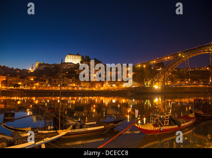 oporto porto stadt viertel ribeira stockfoto bild 14162610 alamy. Black Bedroom Furniture Sets. Home Design Ideas