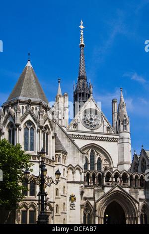 Die Königliche Gerichtshöfe auf dem Strand, London - Stockfoto