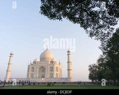 Taj Mahal weißen Marmor-Mausoleum - Agra, Indien ein UNESCO-Weltkulturerbe - Stockfoto