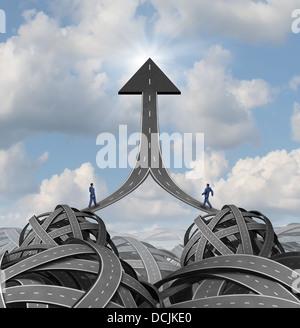 Partnership-Lösungen und Team-Führung-Business-Konzept als zwei Geschäftsleute zu Fuß ein kompliziertes Labyrinth - Stockfoto