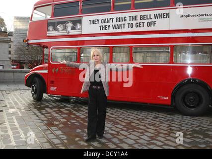 Joanna Lumley startet die Erbarmen 2012-Kampagne auf dem Trafalgar Square. Die Kampagne wird gestartet, als Protest - Stockfoto