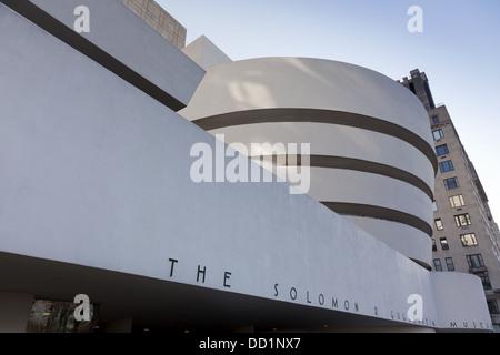 New York, Fassade des Guggenheim Museums, 19. Dezember 2011 - Stockfoto