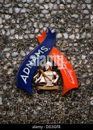 Adnams Sign. Adnams & Coy. Ltd., Sohle Bay Brauerei. Southwold, Suffolk, England, Vereinigtes Königreich, Europa. - Stockfoto
