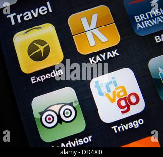 Detail von vielen Reise-apps auf einem Smartphone iPhone 5 - Stockfoto