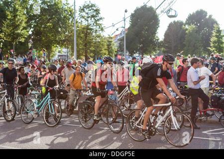 London, UK. 02. September 2013. Raum für Rad Fahrt, London, 2. September 2013 Credit: Zefrog/Alamy Live News - Stockfoto
