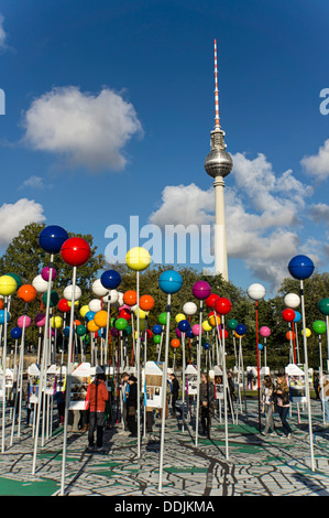 775 Jahre Berlin, Stadt der Vielfalt, Open Air Exibition, begehbare Stadtplan Berlin Mitte, Deutschland - Stockfoto