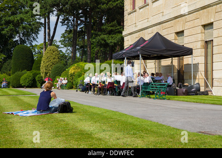 Die York RI Golden Rail Band durchzuführen bei The Nachmittag Band Konzert in Doncaster, South Yorkshire Brodsworth - Stockfoto