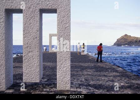 Tensei Tenmoku (´Door ohne Door´) des japanischen Künstlers Kan Yasuda in Garachico. Teneriffa, Kanarische Inseln, - Stockfoto
