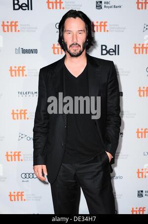 Toronto, Ontario, Kanada. 10. September 2013. . 10. September 2013. Keanu Reeves im Ankunftsbereich für Mann von - Stockfoto