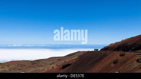 Straße im Parque Nacional de Las Cañadas del Teide, Teide-Nationalpark, UNESCO Weltnaturerbe, mit Blick in Richtung - Stockfoto