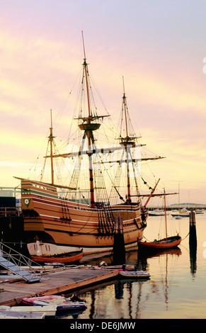 Rekonstruktion der Pilgerväter Segeln Schiff Mayflower in Plymouth, Cape Cod, Massachusetts, Neuengland, USA - Stockfoto