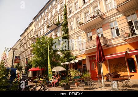 Einer verkehrsberuhigten Straße im Prenzlauer Berg, Berlin, Deutschland - Stockfoto