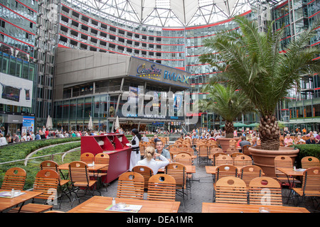 imax kino sony center der potsdamer platz berlin deutschland europa stockfoto bild. Black Bedroom Furniture Sets. Home Design Ideas