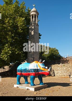 Nashorn Skulptur Southampton Hampshire England UK Bestandteil der Marwell Zoo Kunst im öffentlichen Raum Veranstaltung - Stockfoto