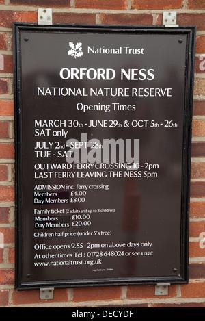 National Trust Orford Ness Zeichen, Orford, Suffolk UK - Stockfoto